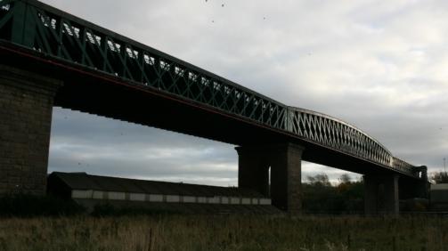 queen-alexandra-bridge-211779_1920-min